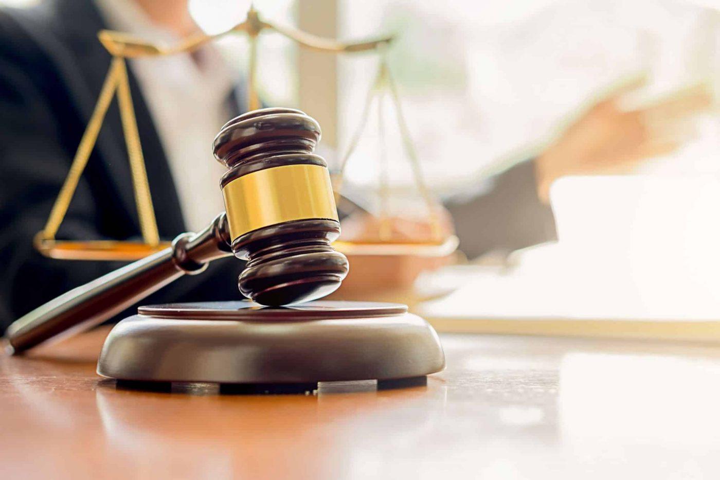 מה החוק אומר לגבי הבאת סוכן ביטוח פרטי לעבודה?