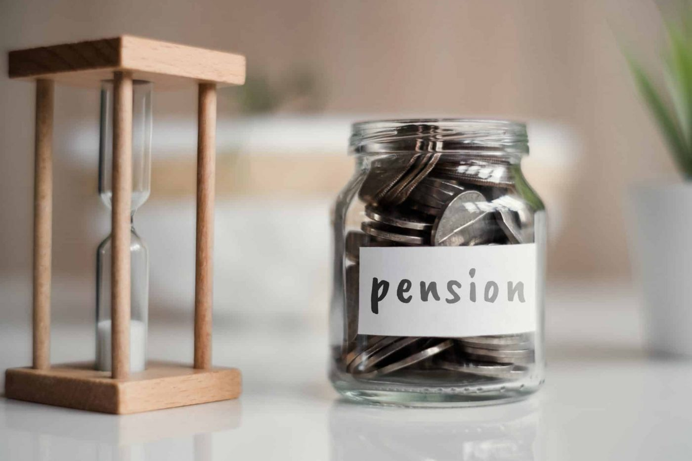 האם ניתן להפקיד לקרן פנסיה משני מעסיקים בו זמנית?